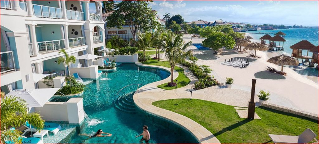 Montego-Hotel-and-Pool.jpg